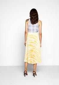 Proenza Schouler - PRINTED PLEATED LONG SKIRT - A-line skirt - light yellow - 2
