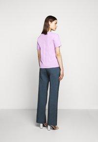 Proenza Schouler - SHORT SLEEVE - T-shirts med print - mauve/lilac - 2