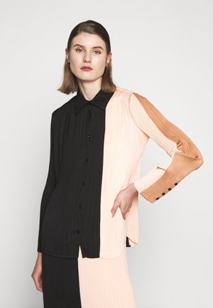 PLISSE BUTTON FRONT - Camicia - cinnamon/peach/black