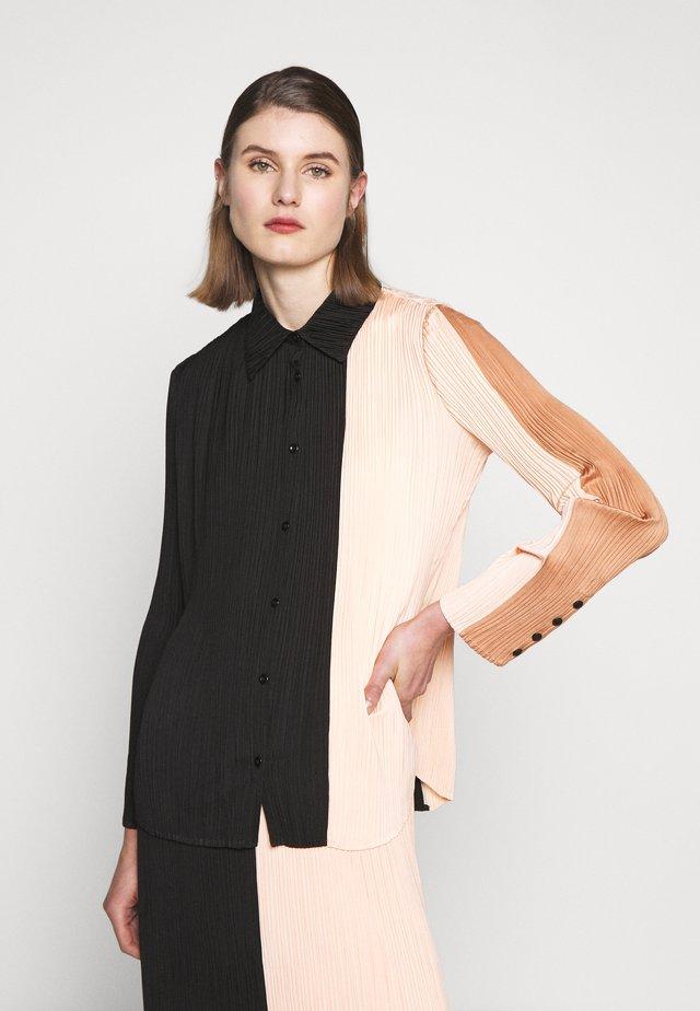 PLISSE BUTTON FRONT - Button-down blouse - cinnamon/peach/black