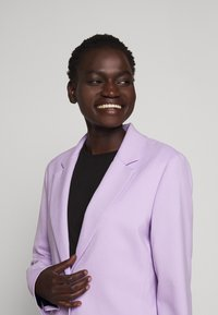 Proenza Schouler - SUITING UNCONSTRUCTED - Manteau court - lilac - 7