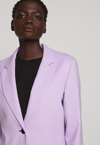 Proenza Schouler - SUITING UNCONSTRUCTED - Manteau court - lilac - 4