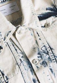 Proenza Schouler - CROPPED JACKET - Kurtka jeansowa - bleach out - 2