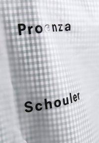 Proenza Schouler - SHORT LINED RAINCOAT - Kurtka przeciwdeszczowa - milky white - 15