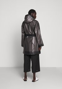 Proenza Schouler - BELTED WITH STRIPED LINING - Parka - dark grey - 2