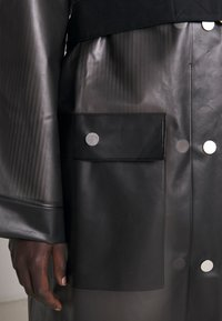 Proenza Schouler - BELTED WITH STRIPED LINING - Parka - dark grey - 13