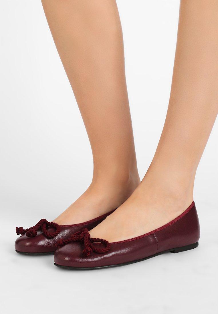 Pretty Ballerinas - Ballet pumps - rioja tela wine tango