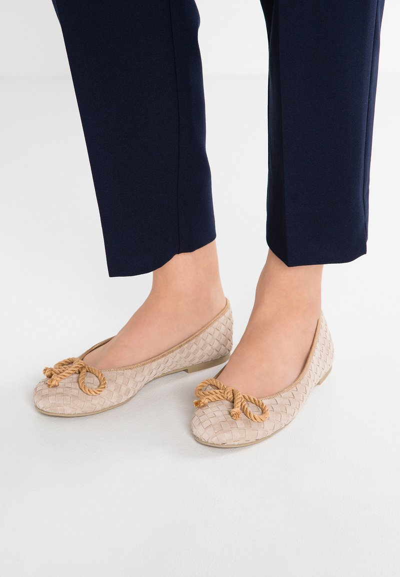 Pretty Ballerinas - HAMAL - Ballet pumps - sand