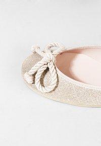Pretty Ballerinas - GALASSIA - Ballerina - plata - 6
