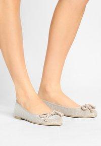 Pretty Ballerinas - GALASSIA - Ballerina - plata - 0