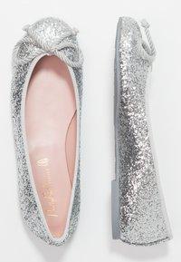 Pretty Ballerinas - KYLIE - Klassischer  Ballerina - silver - 3