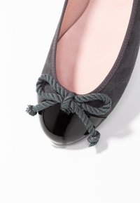 Pretty Ballerinas - Ballerina's - grey - 2