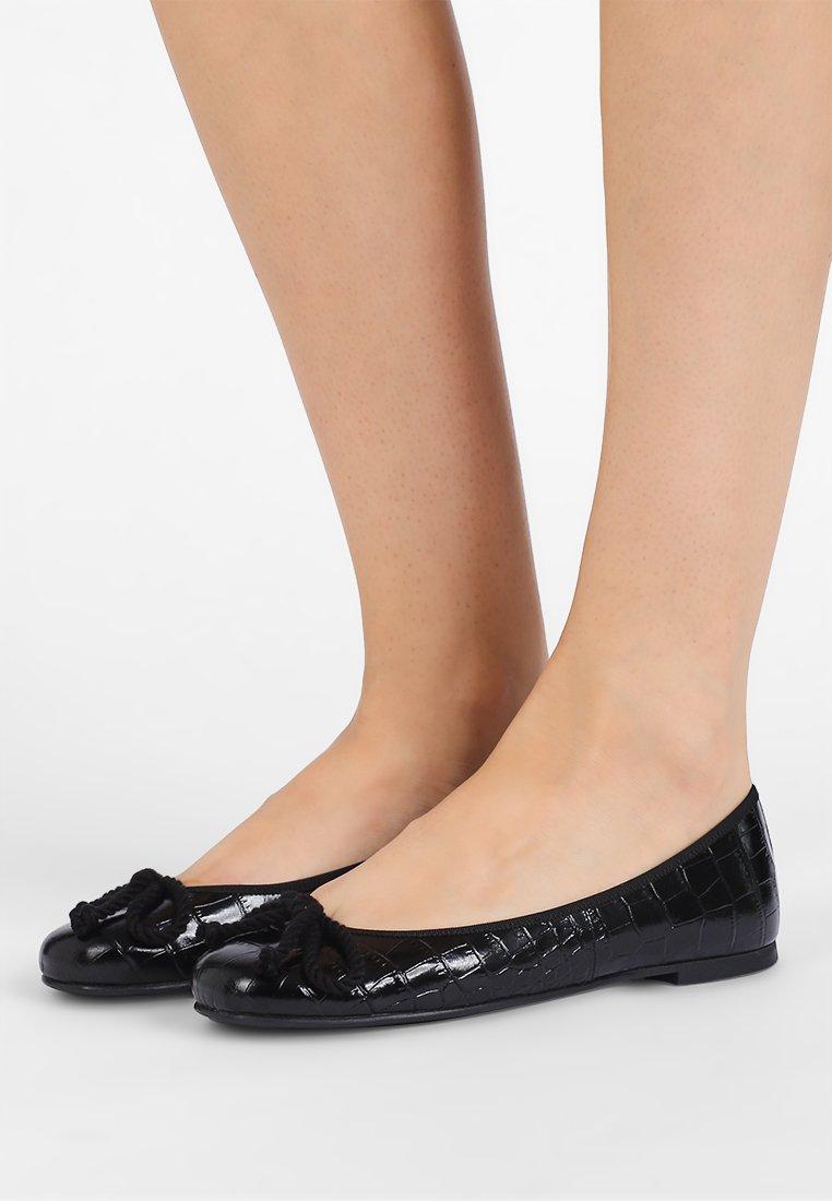 Pretty Ballerinas - AIOWA - Ballet pumps - black