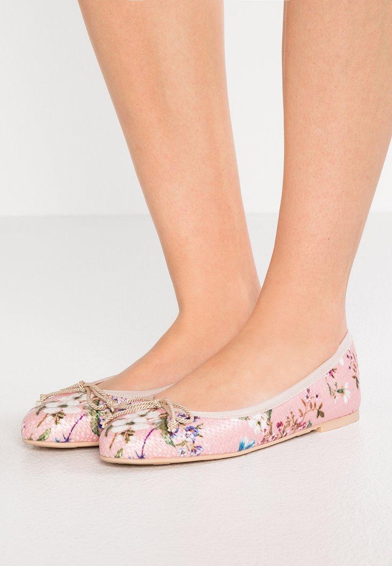 Pretty Ballerinas - BRIGHTON - Ballet pumps - pink/dolly