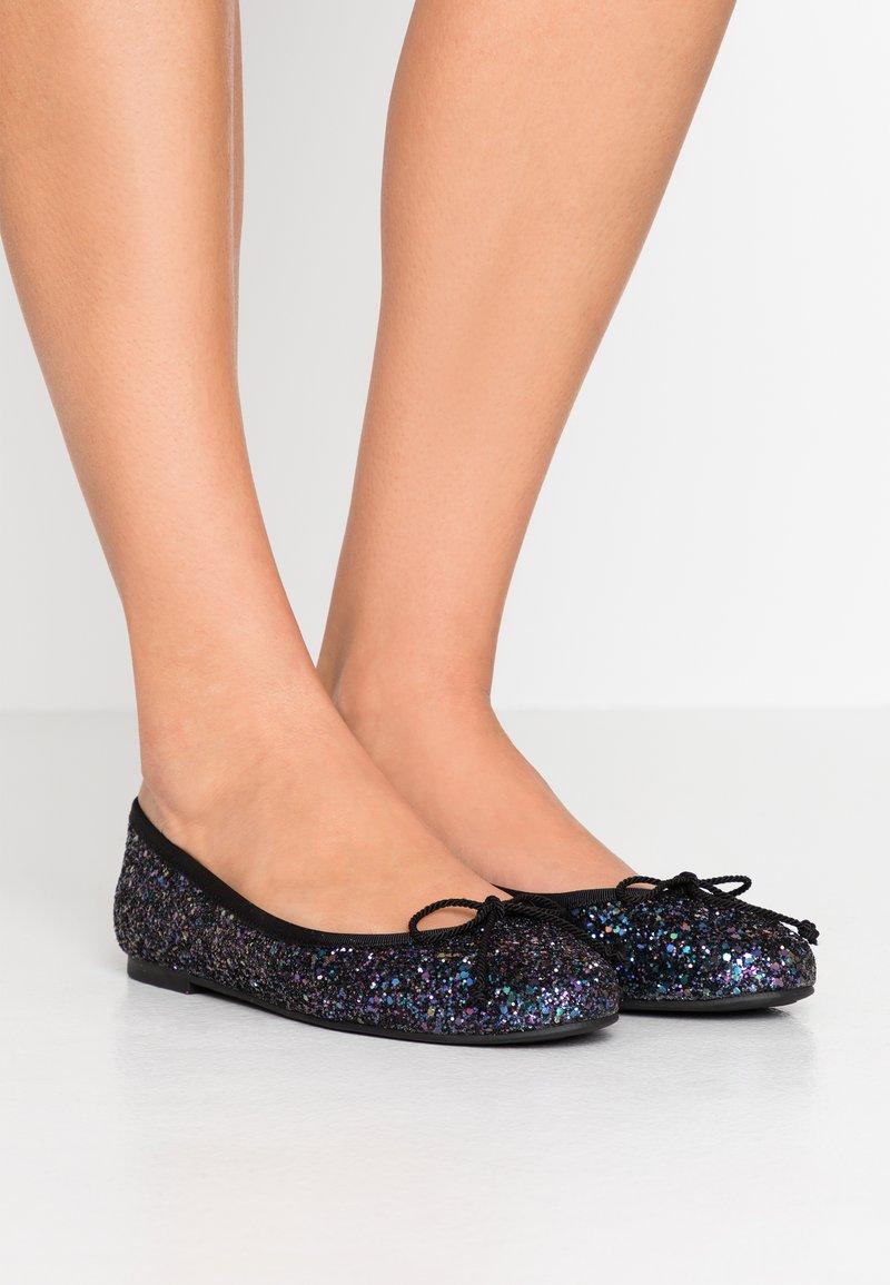Pretty Ballerinas - KYLIE - Baleriny - night