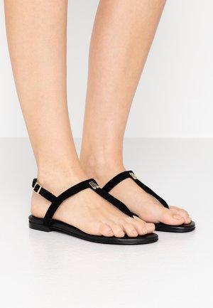 ANGELIS - Sandály s odděleným palcem - black