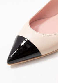 Pretty Ballerinas - SHADE - Ballerines - white - 5