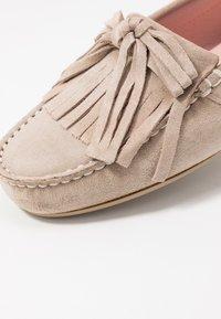 Pretty Ballerinas - MICROTINA CROSTINA - Mokassin - sand - 2