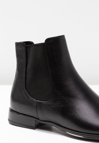 Pretty Ballerinas - Classic ankle boots - black - 2