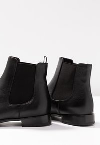 Pretty Ballerinas - Classic ankle boots - black - 7