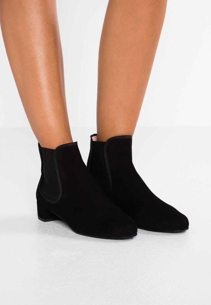 Pretty Ballerinas À Boots Talons Black 6Ygvybf7