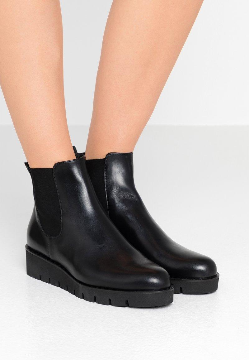 Pretty Ballerinas - KILIAN - Ankle boots - black