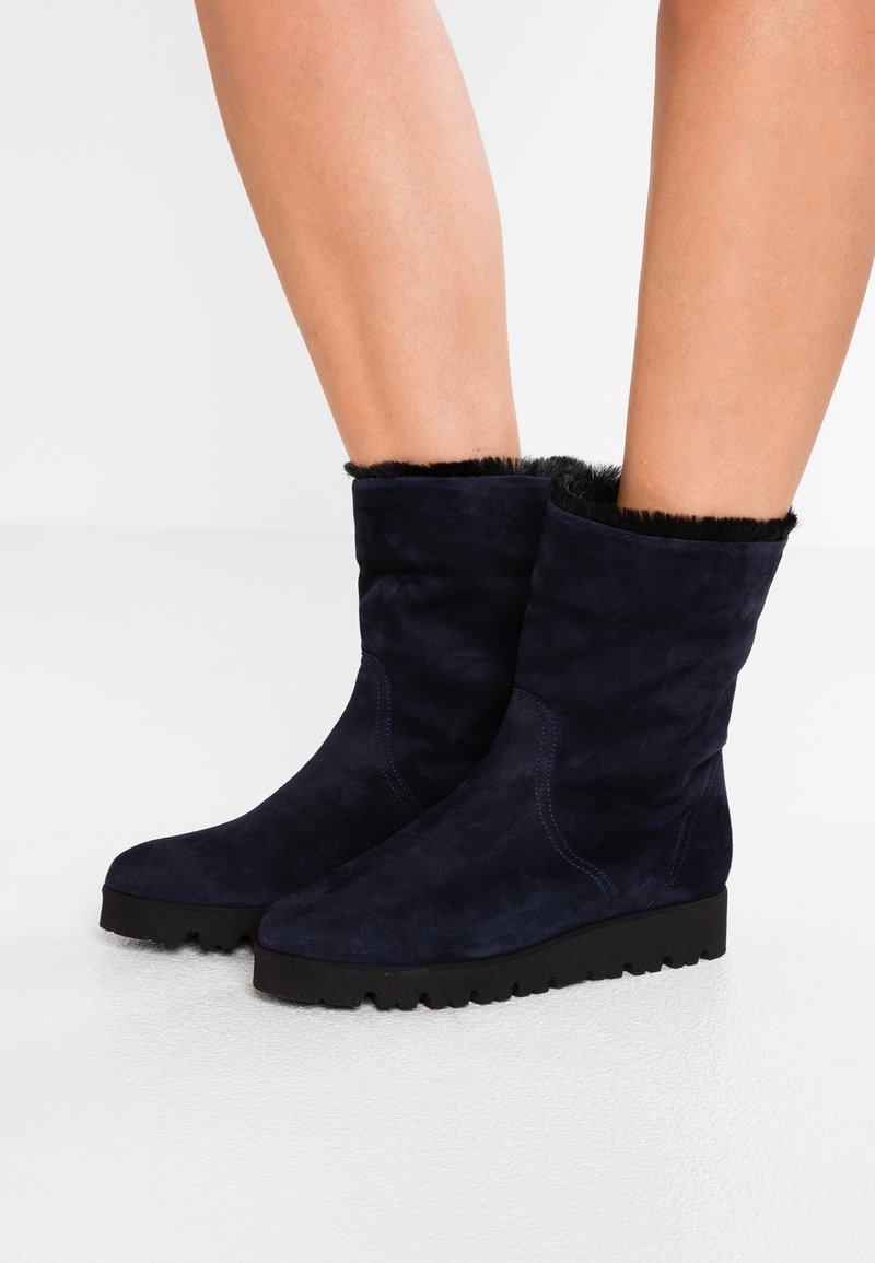 Pretty Ballerinas - Platform ankle boots - navy blue