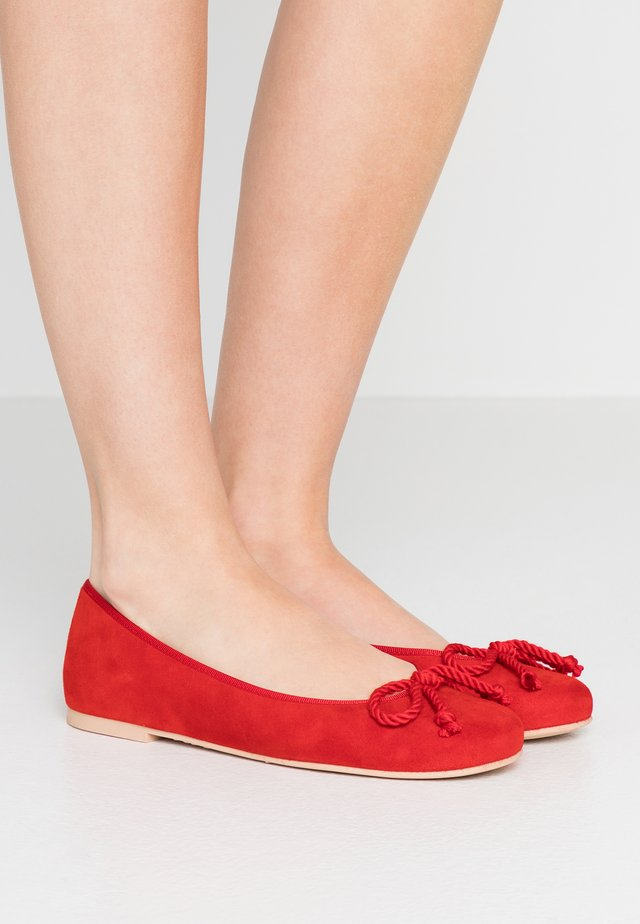ANGELIS - Ballet pumps - red