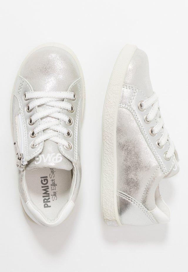 Sneaker low - argento