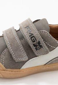 Primigi - Sneakers laag - grig/antracite/perla - 2