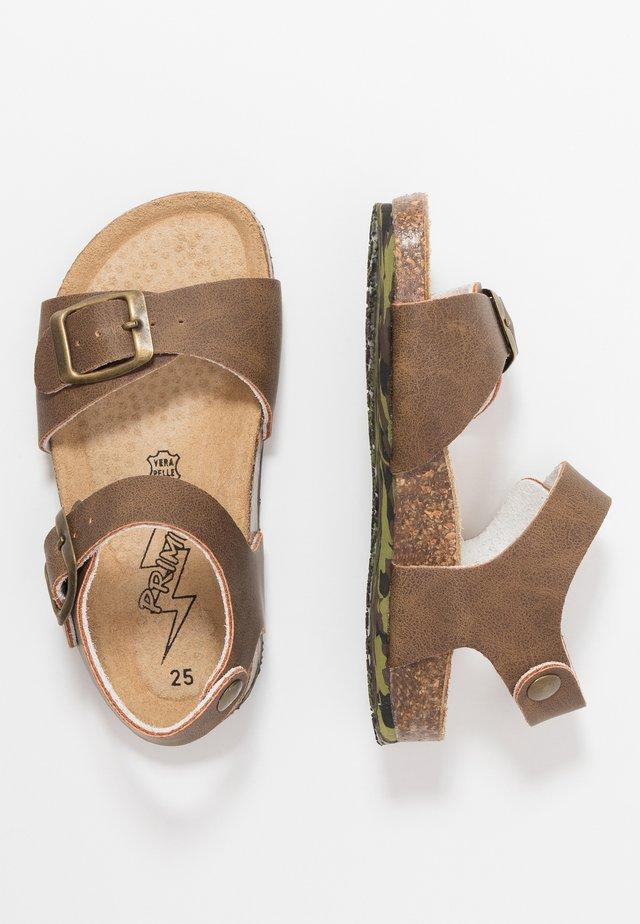 Sandaalit nilkkaremmillä - tabacco