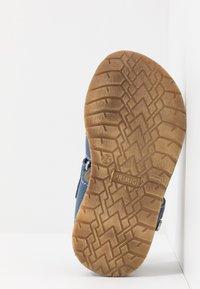 Primigi - Sandaalit nilkkaremmillä - bluette - 5