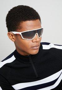 Prada Linea Rossa - Sluneční brýle - white rubber - 1