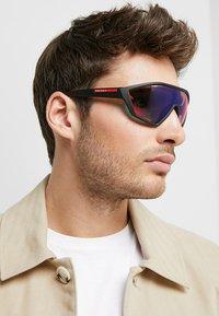 Prada Linea Rossa - Okulary przeciwsłoneczne - black rubber - 1