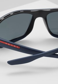 Prada Linea Rossa - Sluneční brýle - black/blue - 4