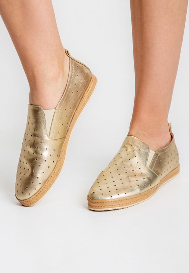 CAIDATE - Loafers - platinum