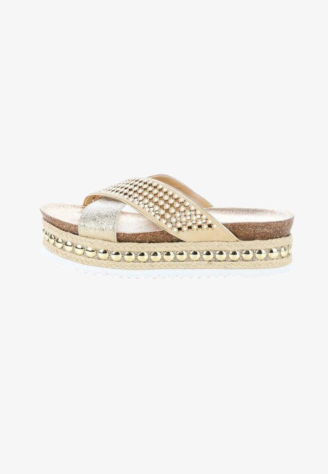 OSSOPO - Sandaletter med kilklack - beige