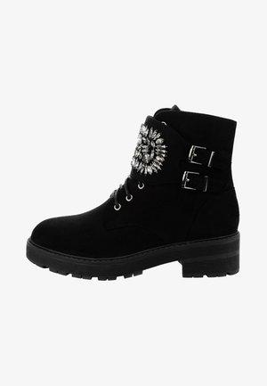 MACCARI - Botines con cordones - black