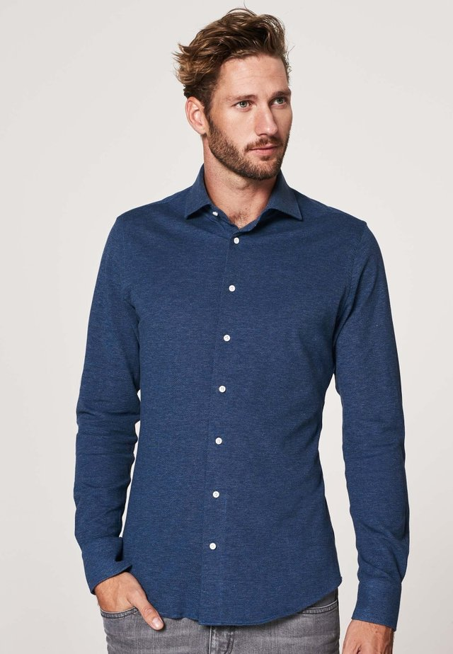 SLIM FIT - Shirt - blauw