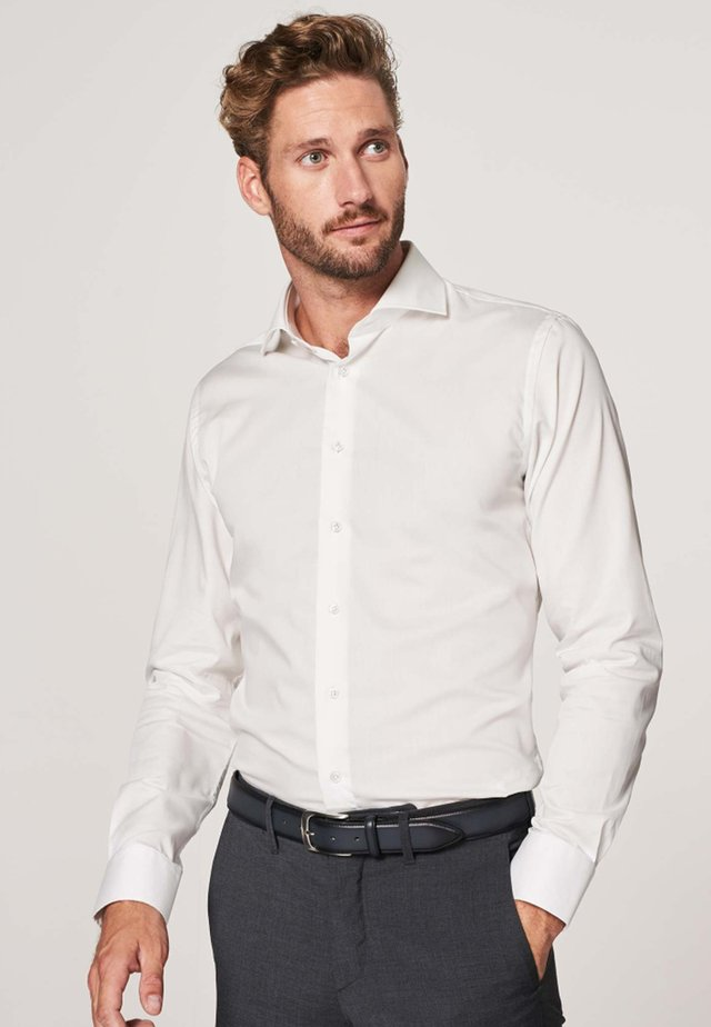 SLIM FIT - Formal shirt - wit