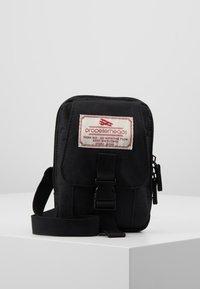 Propellerheads - Across body bag - black - 0