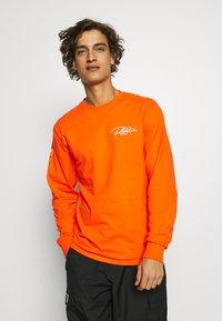 Primitive - NARUTO COMBAT - Bluzka z długim rękawem - orange - 2