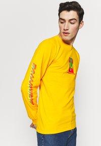 Primitive - SHENRON WISH DRAGON BALL Z - Long sleeved top - gold - 3