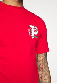Primitive - SHENRON DIRTY DRAGON BALL Z - T-shirt print - red - 4