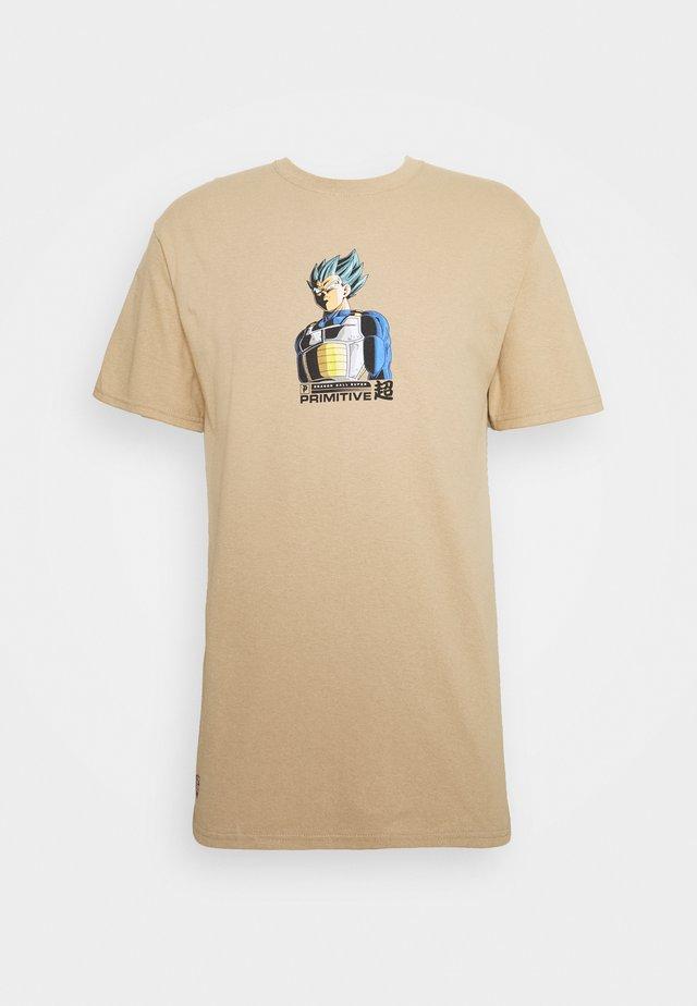 SHADOW VEGETA TEE - Print T-shirt - sand