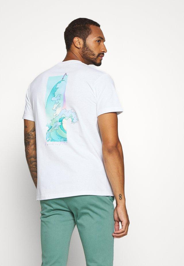 VOYAGE TEE - Print T-shirt - white