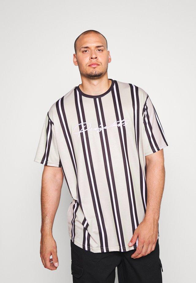 NYC STRIPED MCRAE T-SHIRT - Print T-shirt - stone
