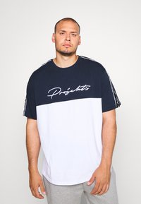 Projekts NYC - PROJEKTS NYC ASTOR COLOUR BLOCK - Print T-shirt - navy - 0