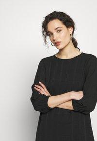 Progetto Quid - DRESS ABZA - Day dress - black check - 3