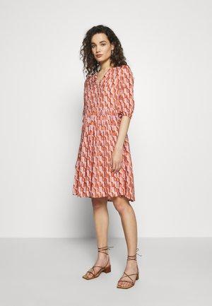 DRESS  - Shirt dress - pink/orange